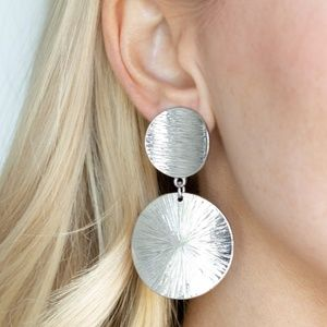 BRIGHT On Cue - Silver Earrings